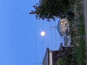 2020.5.7 18:57の満月